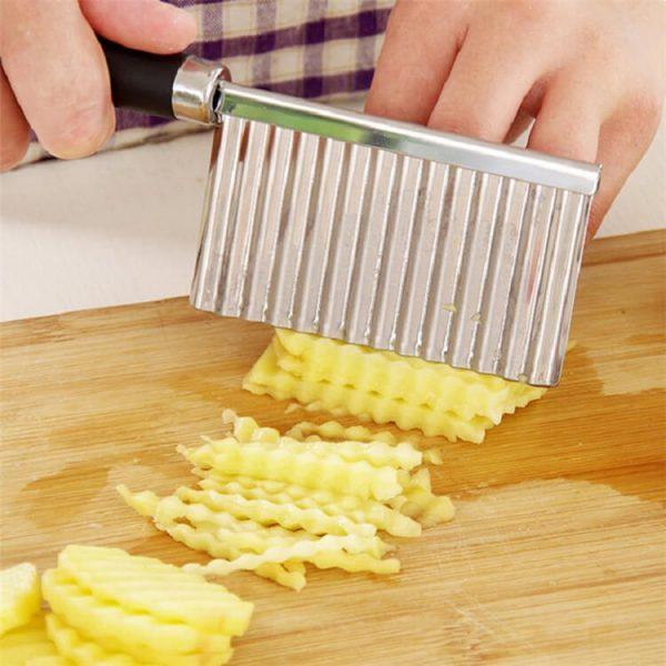 Fries Waves Crinkle Cutter helper2